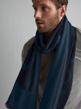 Canada Goose logo scarf
